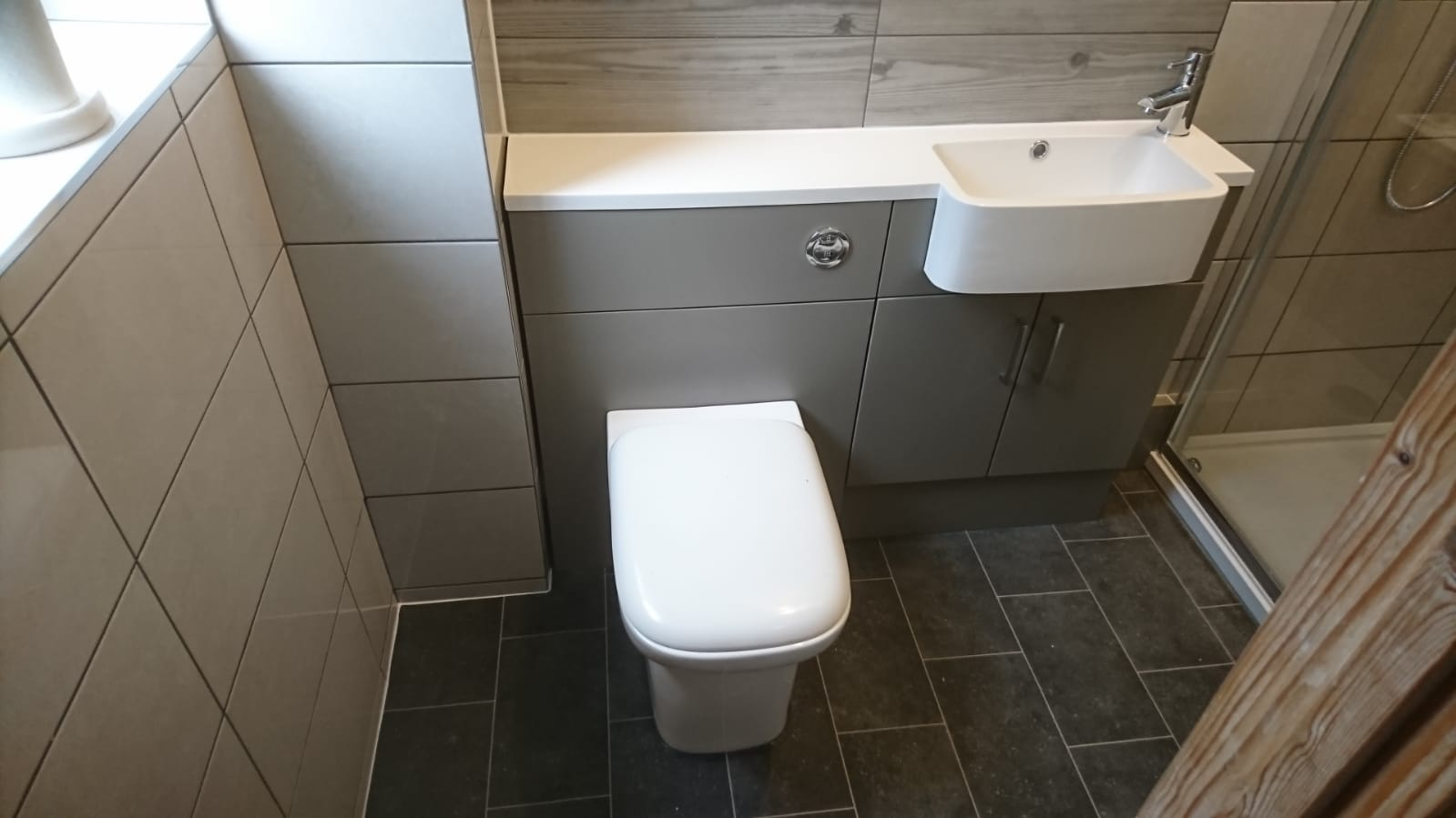 Nursling Bathroom Suite Fitted by IJB Plumbing and Heating